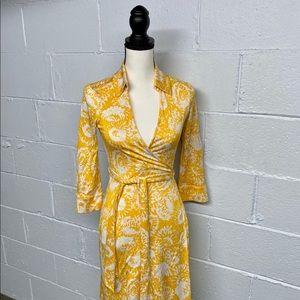 NWOT 💕 Diane Von Furstenberg 💕 yellow wrap dress